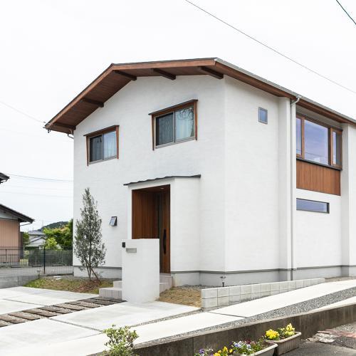 【岐阜県山県市】木のぬくもりに包まれた吹き抜けのある住まい
