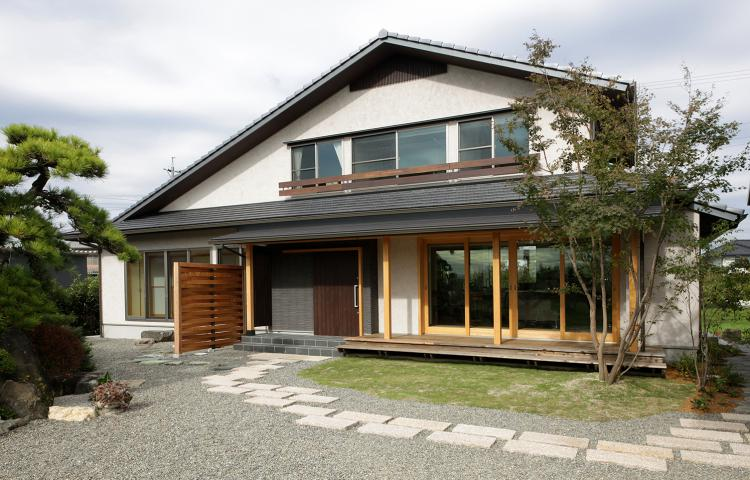【岐阜県大垣市】温故知新の普遍的な美しさを追求した大屋根の木の家