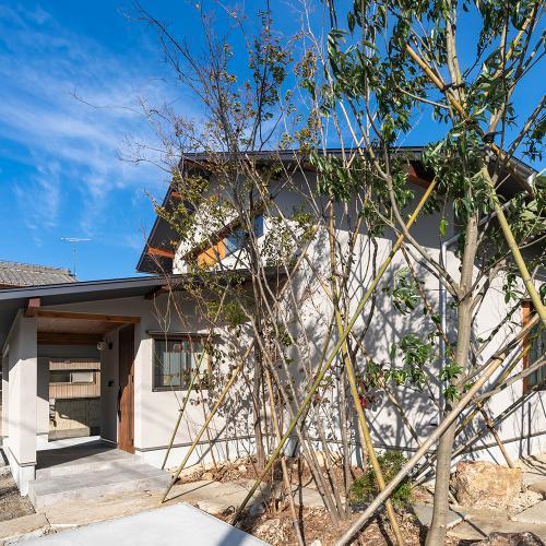 【岐阜県大垣市】庭とつながり自然の恵みで暮らすOMソーラーの住まい