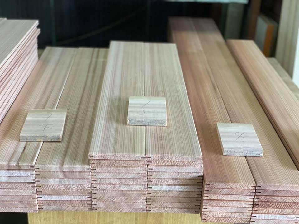 『杉柾目の建具』